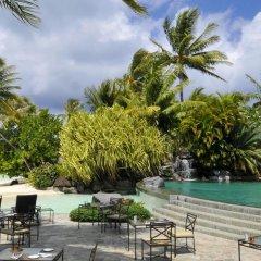 Отель InterContinental Le Moana Resort Bora Bora бассейн фото 3