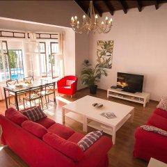 Отель Holidays2Roquedal Испания, Торремолинос - отзывы, цены и фото номеров - забронировать отель Holidays2Roquedal онлайн комната для гостей
