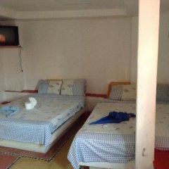 Отель Arturo's комната для гостей фото 5