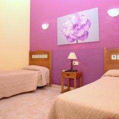 Отель Hostal Los Montes комната для гостей фото 4
