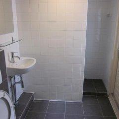 Отель Amsterdam Hostel Uptown Нидерланды, Амстердам - отзывы, цены и фото номеров - забронировать отель Amsterdam Hostel Uptown онлайн ванная