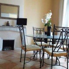 Апартаменты Cannes Apartment Wifi комната для гостей фото 3