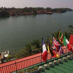 Отель Ranga Holiday Resort Шри-Ланка, Берувела - отзывы, цены и фото номеров - забронировать отель Ranga Holiday Resort онлайн приотельная территория фото 2