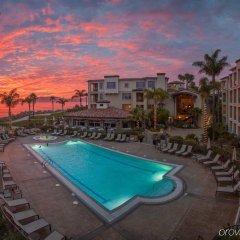 Отель Dolphin Bay Resort and Spa бассейн фото 2