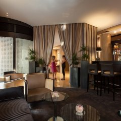 Отель Residence du Roy Hotel Франция, Париж - отзывы, цены и фото номеров - забронировать отель Residence du Roy Hotel онлайн гостиничный бар