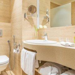 Гостиница Гарден Стрит в Санкт-Петербурге отзывы, цены и фото номеров - забронировать гостиницу Гарден Стрит онлайн Санкт-Петербург ванная