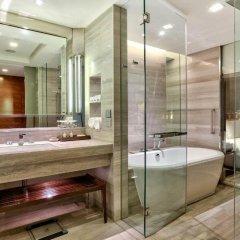 Отель Hilton Sukhumvit Bangkok Таиланд, Бангкок - отзывы, цены и фото номеров - забронировать отель Hilton Sukhumvit Bangkok онлайн ванная