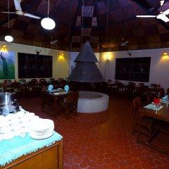 Отель Safari Adventure Lodge Непал, Саураха - отзывы, цены и фото номеров - забронировать отель Safari Adventure Lodge онлайн гостиничный бар