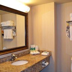 Holiday Inn Express Hotel & Suites Hinton ванная