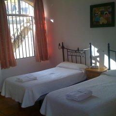 Отель Hostal Atenas комната для гостей фото 2