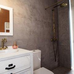 Отель Hostel & Suites Des Arts Португалия, Амаранте - отзывы, цены и фото номеров - забронировать отель Hostel & Suites Des Arts онлайн ванная