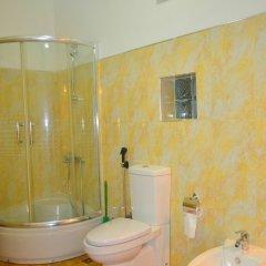 Отель Cinnamon Lake Inn ванная фото 2