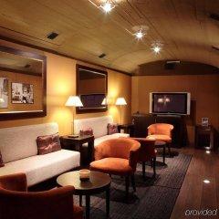Отель Duquesa De Cardona Испания, Барселона - 9 отзывов об отеле, цены и фото номеров - забронировать отель Duquesa De Cardona онлайн гостиничный бар