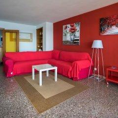 Отель Apartamento Vivalidays Rosa Lloret Испания, Льорет-де-Мар - отзывы, цены и фото номеров - забронировать отель Apartamento Vivalidays Rosa Lloret онлайн комната для гостей фото 2