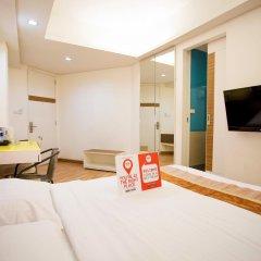 Отель Nida Rooms Khlong Toei 390 Sky Train Бангкок комната для гостей фото 4