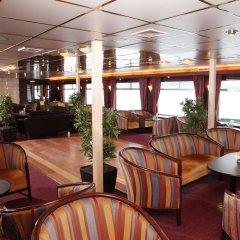 Отель Hotelships Holland - Duesseldorf гостиничный бар