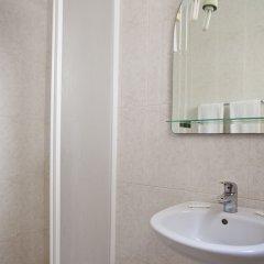 Отель Мини-отель Residencial Colombo Португалия, Фуншал - 1 отзыв об отеле, цены и фото номеров - забронировать отель Мини-отель Residencial Colombo онлайн ванная фото 2