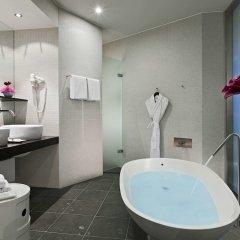 Отель Sofitel Berlin Kurfuerstendamm Германия, Берлин - 2 отзыва об отеле, цены и фото номеров - забронировать отель Sofitel Berlin Kurfuerstendamm онлайн ванная