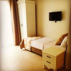 Deluxe Newport Hotel сейф в номере