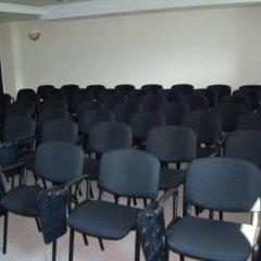 Отель Родопи Отель Болгария, Чепеларе - отзывы, цены и фото номеров - забронировать отель Родопи Отель онлайн помещение для мероприятий