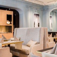 Отель Royal Saint Honore гостиничный бар