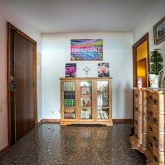 Отель Apartamento Vivalidays Rosa Lloret Испания, Льорет-де-Мар - отзывы, цены и фото номеров - забронировать отель Apartamento Vivalidays Rosa Lloret онлайн интерьер отеля