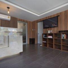 Отель Q Space Residence Бангкок комната для гостей фото 2