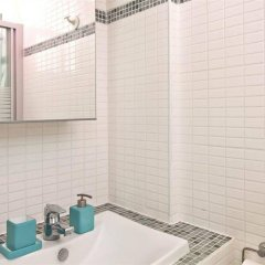 Апартаменты Bp Apartments - Authentic Moulin Rouge Париж ванная