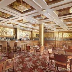Отель Holiday Inn Athens Attica Av. Airport West гостиничный бар