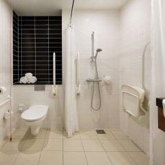 Отель Holiday Inn Express Rotterdam - Central Station Роттердам ванная фото 2