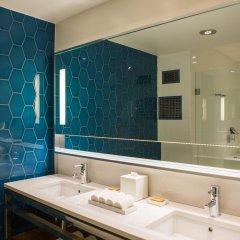 Отель Renaissance Aruba Resort & Casino ванная
