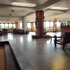 Отель The Fort Resort Непал, Нагаркот - отзывы, цены и фото номеров - забронировать отель The Fort Resort онлайн интерьер отеля фото 2