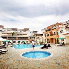 Отель Oracle Exclusive Resort бассейн