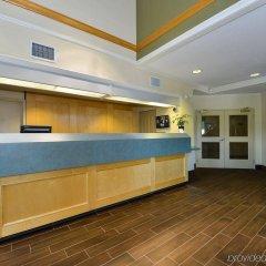 Отель Canadas Best Value Inn Langley Лэнгли интерьер отеля