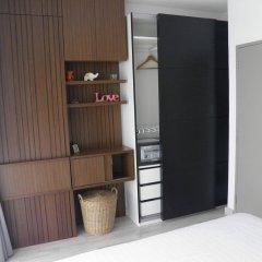 Отель The Skyloft Бангкок сейф в номере