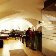 Отель Altstadthotel Kasererbräu Австрия, Зальцбург - 3 отзыва об отеле, цены и фото номеров - забронировать отель Altstadthotel Kasererbräu онлайн интерьер отеля фото 2