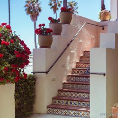 Отель Milo Santa Barbara