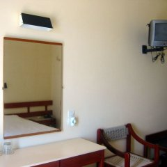 Hotel Avra сейф в номере