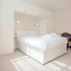 Апартаменты Bright 2 Bedroom Apartment Near Regents Park комната для гостей фото 4