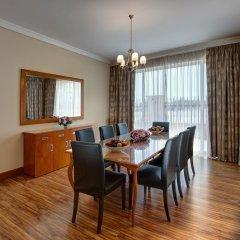Отель J5 Villas Holiday Homes - Barsha Gardens в номере
