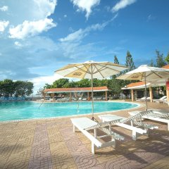 Отель Dic Star Вунгтау бассейн