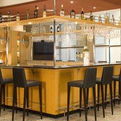 Отель NH Dresden Neustadt гостиничный бар