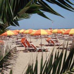 Hotel Camelia Римини пляж