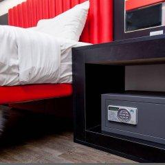 Отель MoMo's Kuala Lumpur Малайзия, Куала-Лумпур - отзывы, цены и фото номеров - забронировать отель MoMo's Kuala Lumpur онлайн сейф в номере