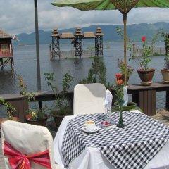 Отель Paradise Inle Resort питание