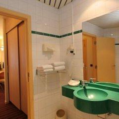 Отель Astrid Centre Бельгия, Брюссель - 2 отзыва об отеле, цены и фото номеров - забронировать отель Astrid Centre онлайн ванная