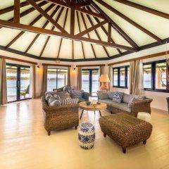 Отель Kihaa Maldives Island Resort интерьер отеля