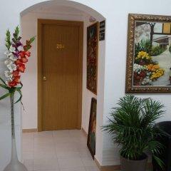 Отель Hostal Mont Thabor интерьер отеля