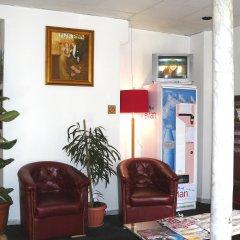 Отель Altona Франция, Париж - 5 отзывов об отеле, цены и фото номеров - забронировать отель Altona онлайн интерьер отеля фото 2