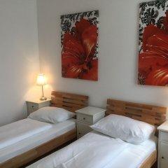 Апартаменты AJO Apartments Messe комната для гостей